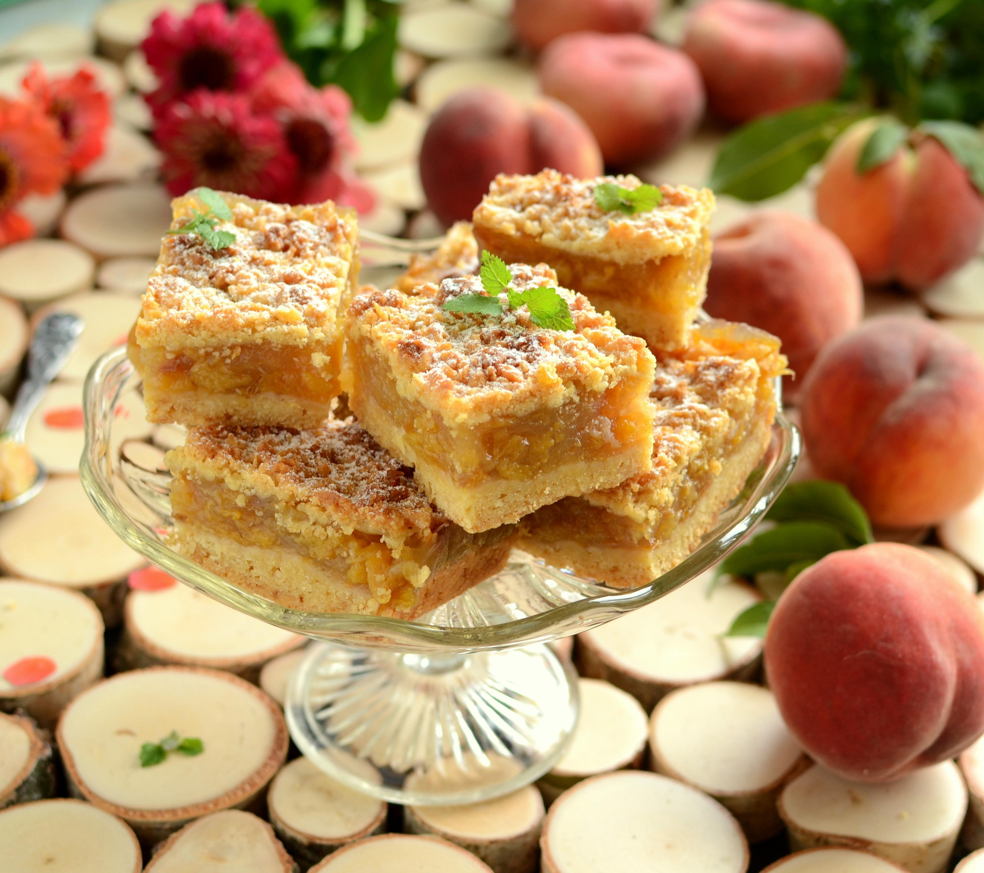 Kruche ciasto z brzoskwinią