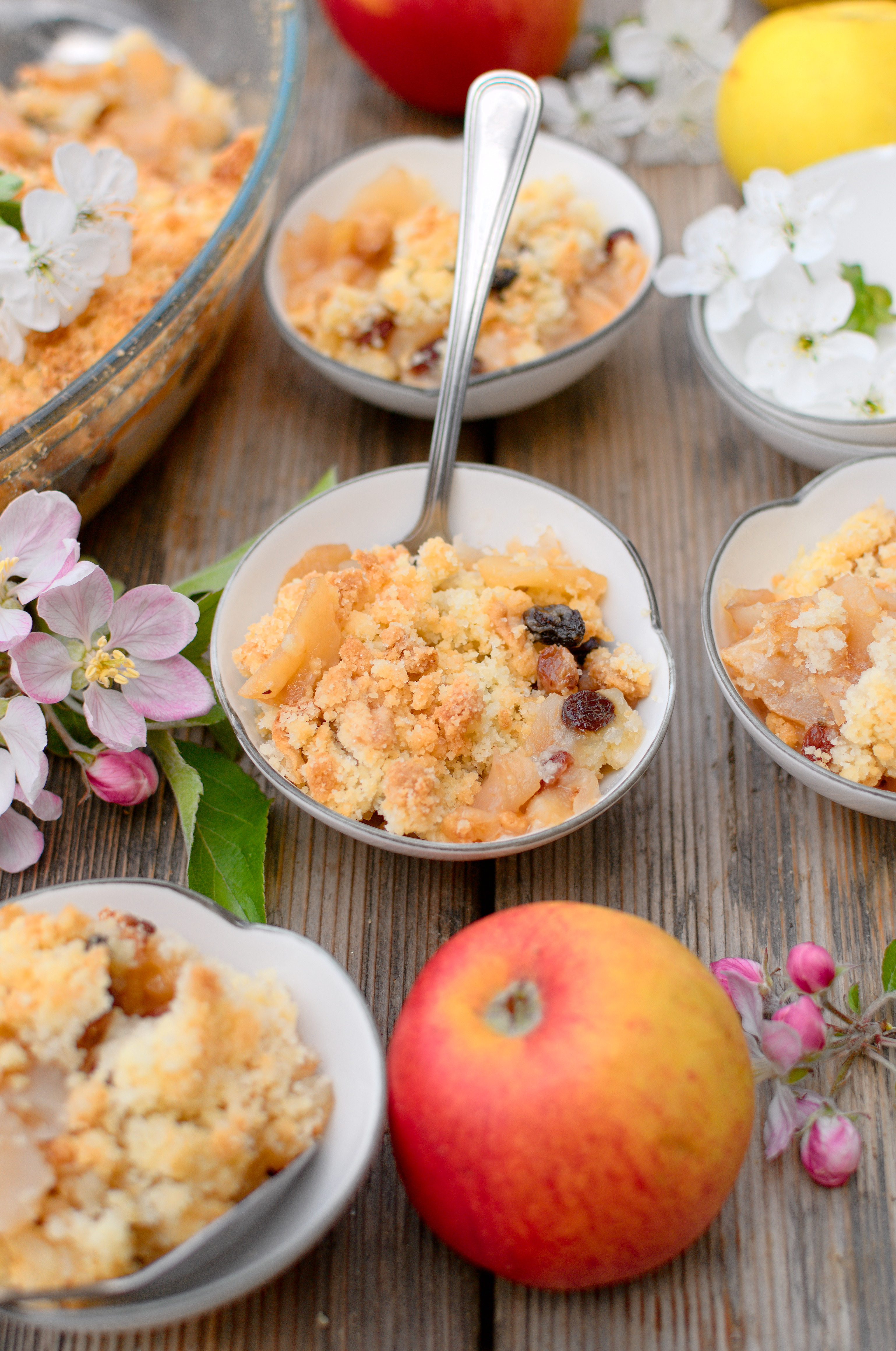 Jabłka zapiekane pod kruszonką - jabłkowe crumble