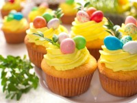 Wielkanocne babeczki z niespodzianką