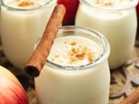 Koktajl jogurtowy o smaku szarlotki