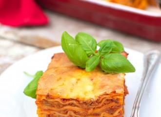 Lazania (Lasagne bolognese)