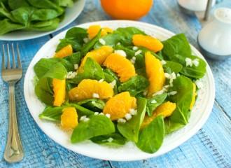 Sałatka ze szpinakiem i pomarańczą