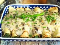 Naleśniki ze szparagami i sosem pieczarkowym