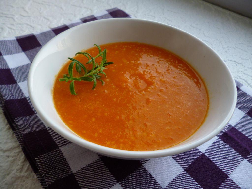 Krem z marchewki z kuskusem