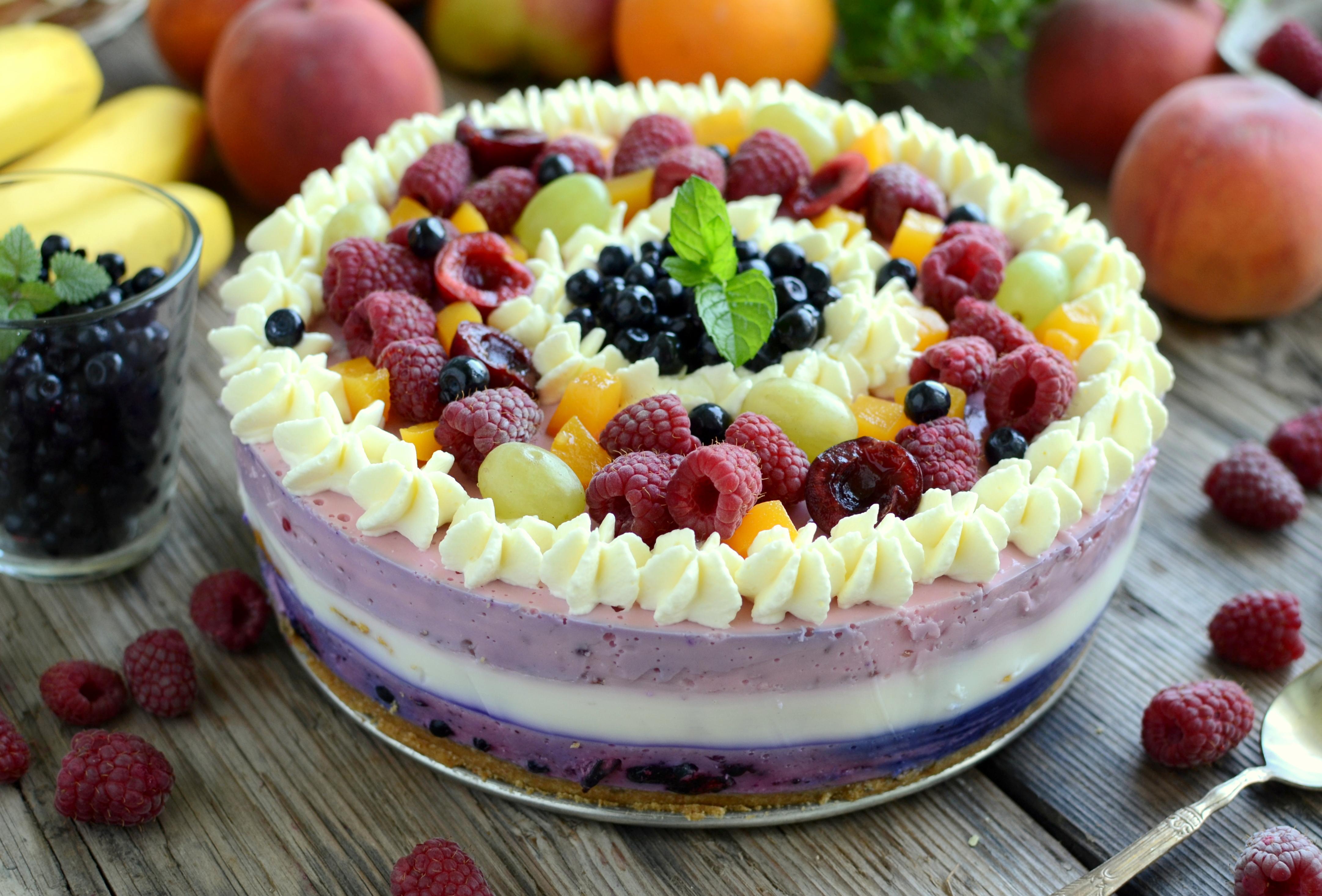 Ratafia czyli torcik z owocami lata