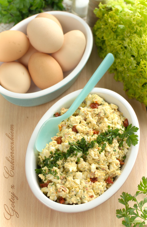 Pasta jajeczna z mascarpone i suszonymi pomidorami
