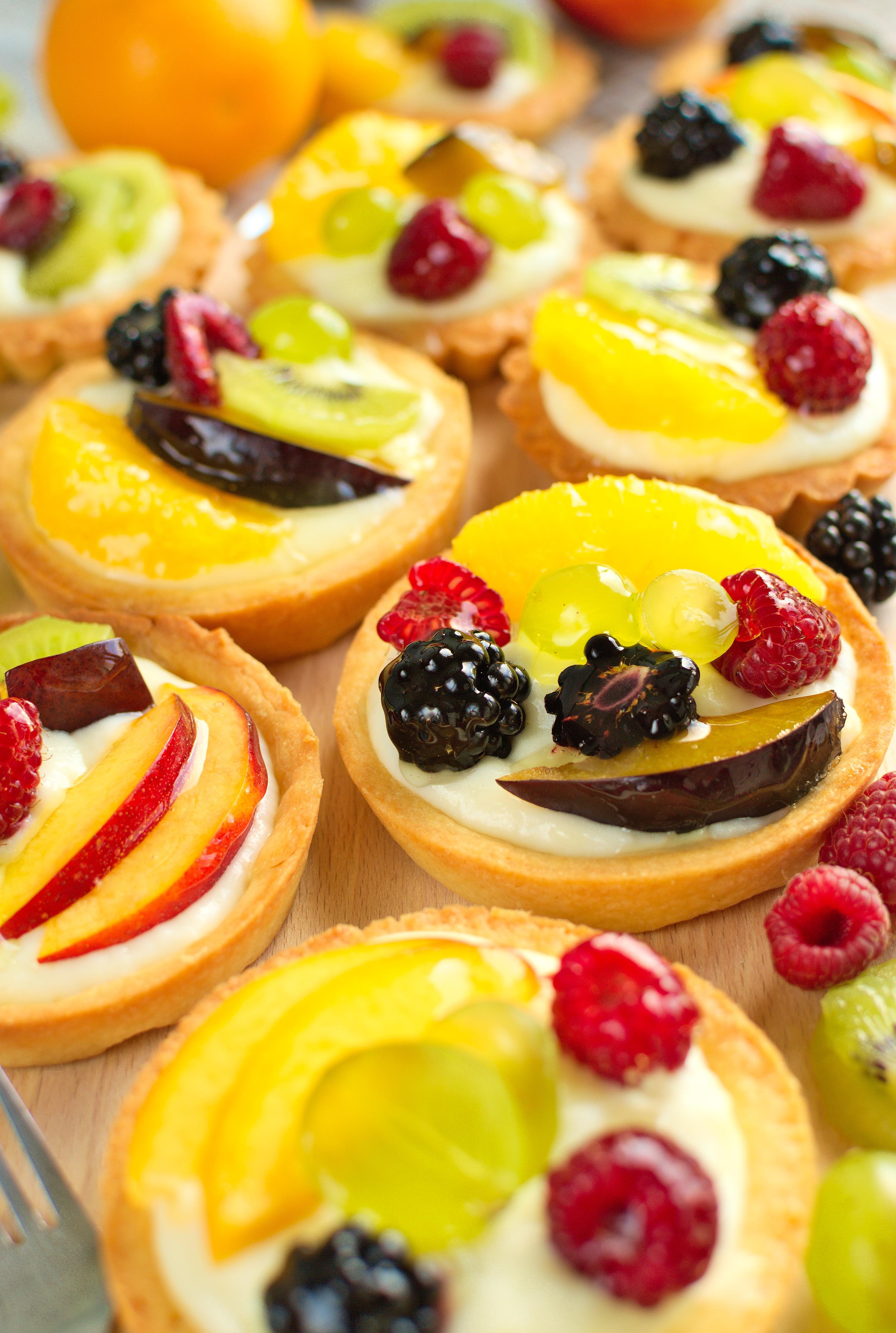 Tartaletki z budyniem i owocami (jak z cukierni)
