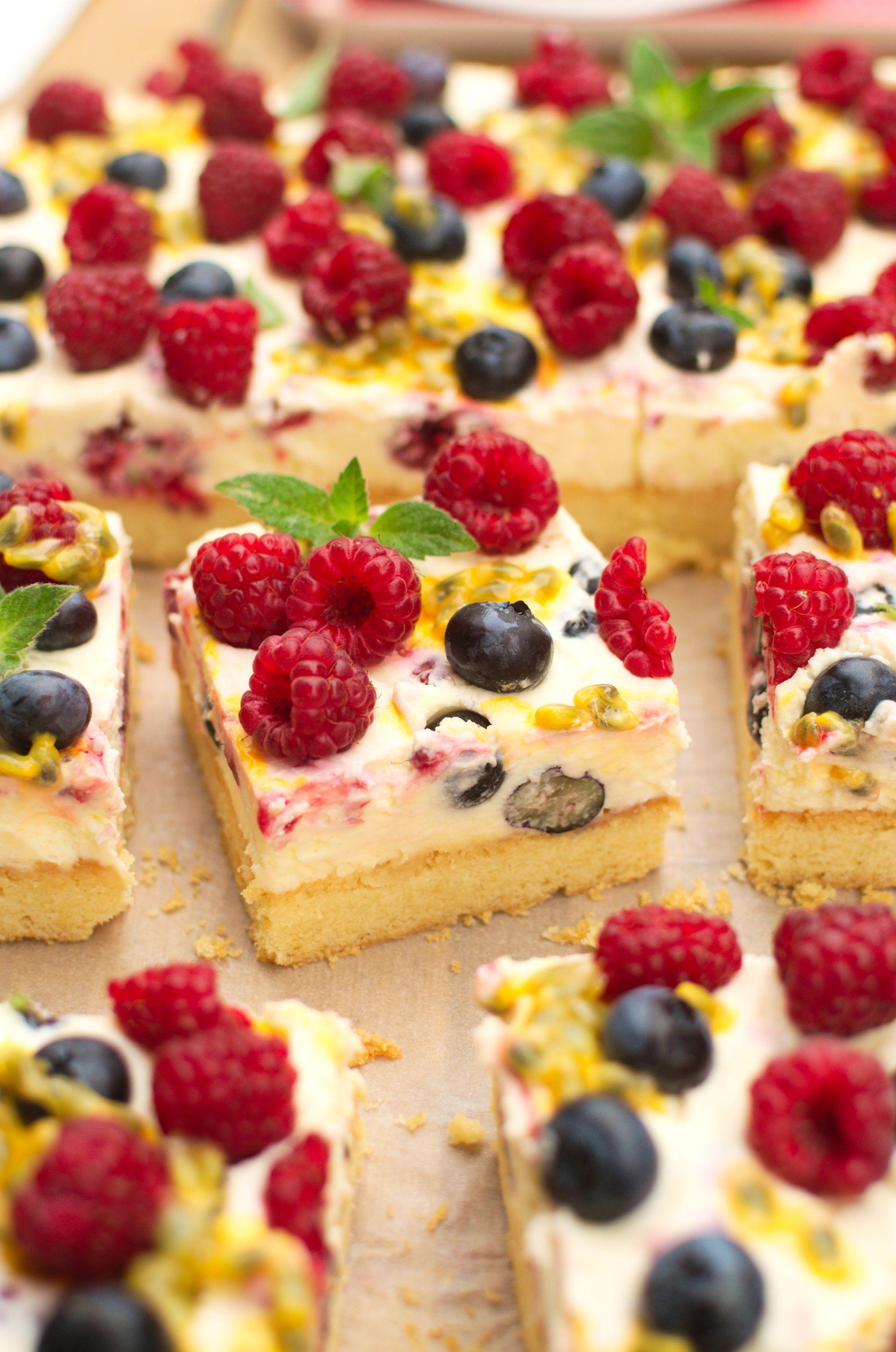 Maślane kruche ciasto z owocami i mascarpone
