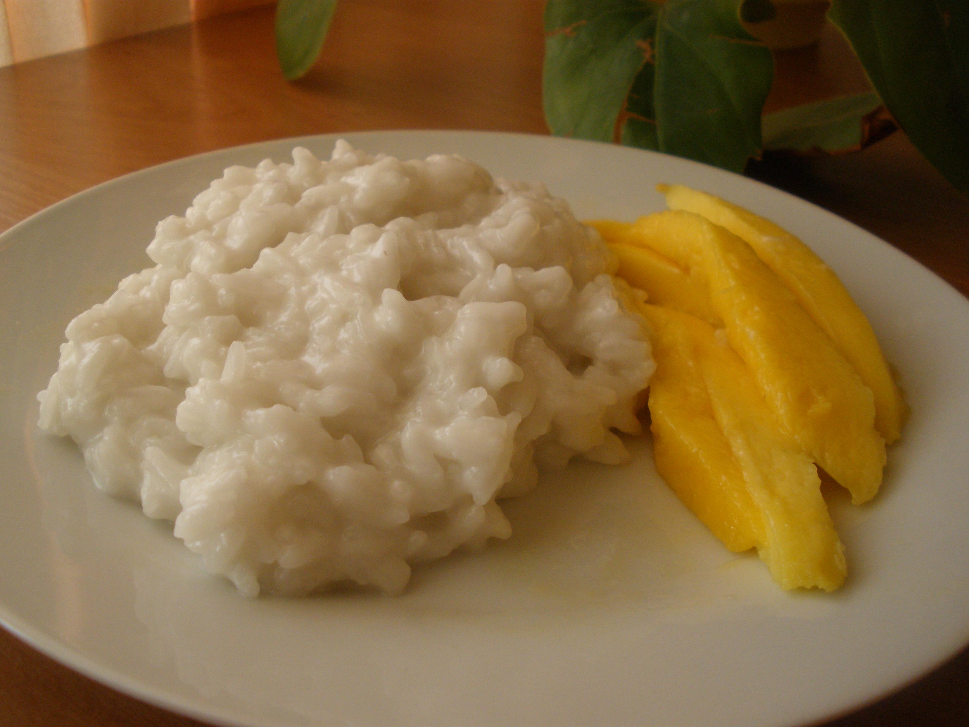 Ryżowy deser tajski z mango