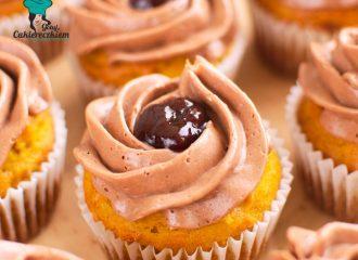 Muffinki dyniowe z kremem nutellowym i powidłami