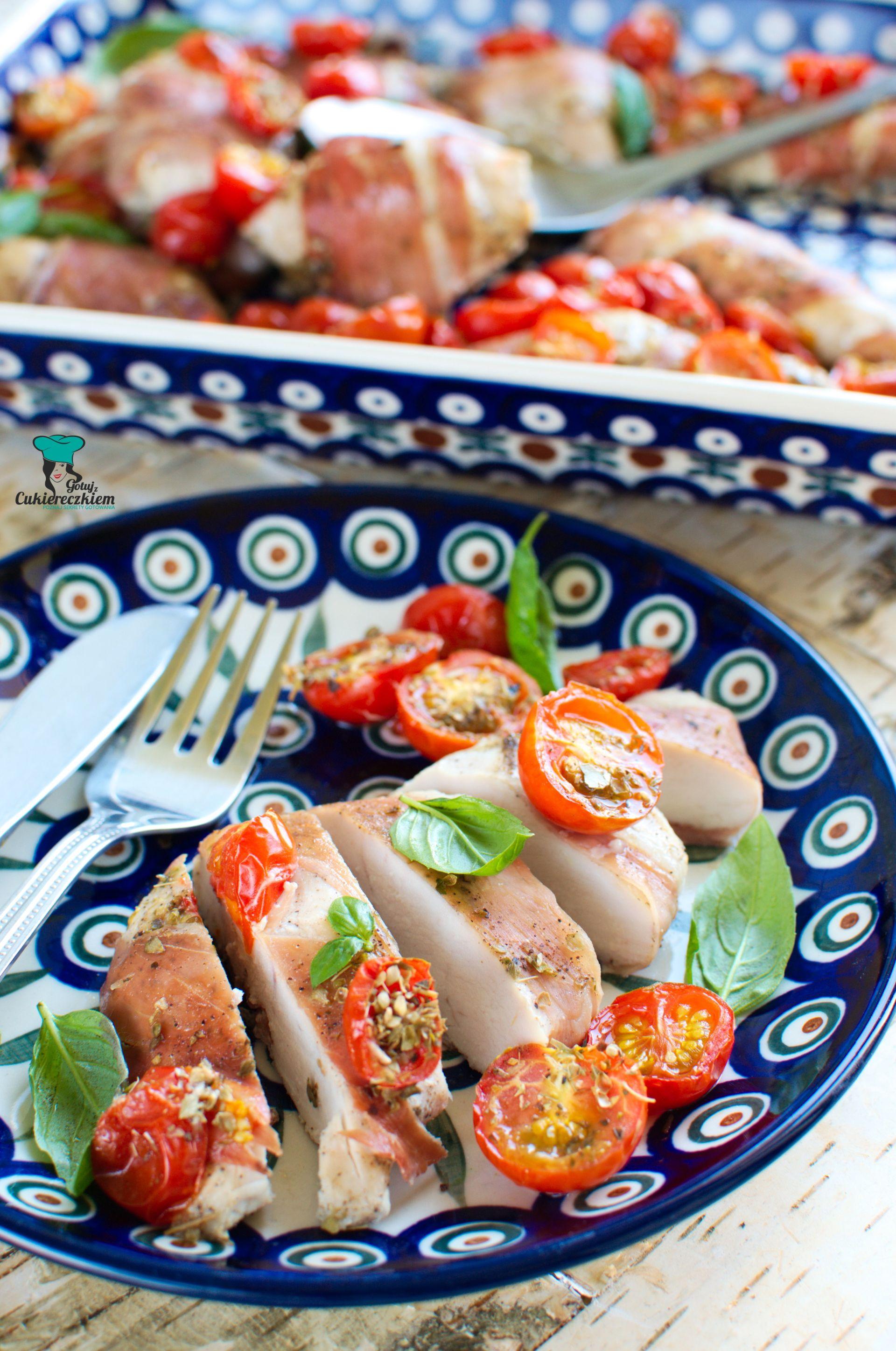 Kawałki kurczaka zapiekane z pomidorkami