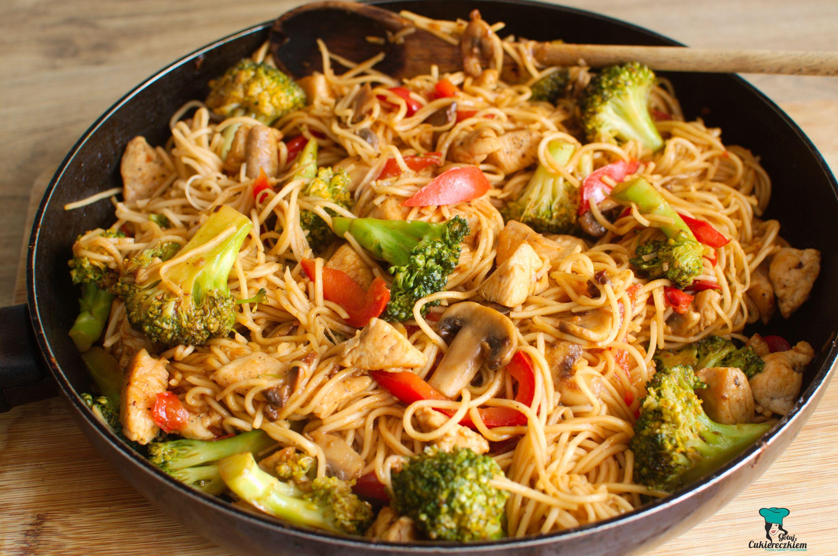 Proste stir fry z kurczakiem i warzywami