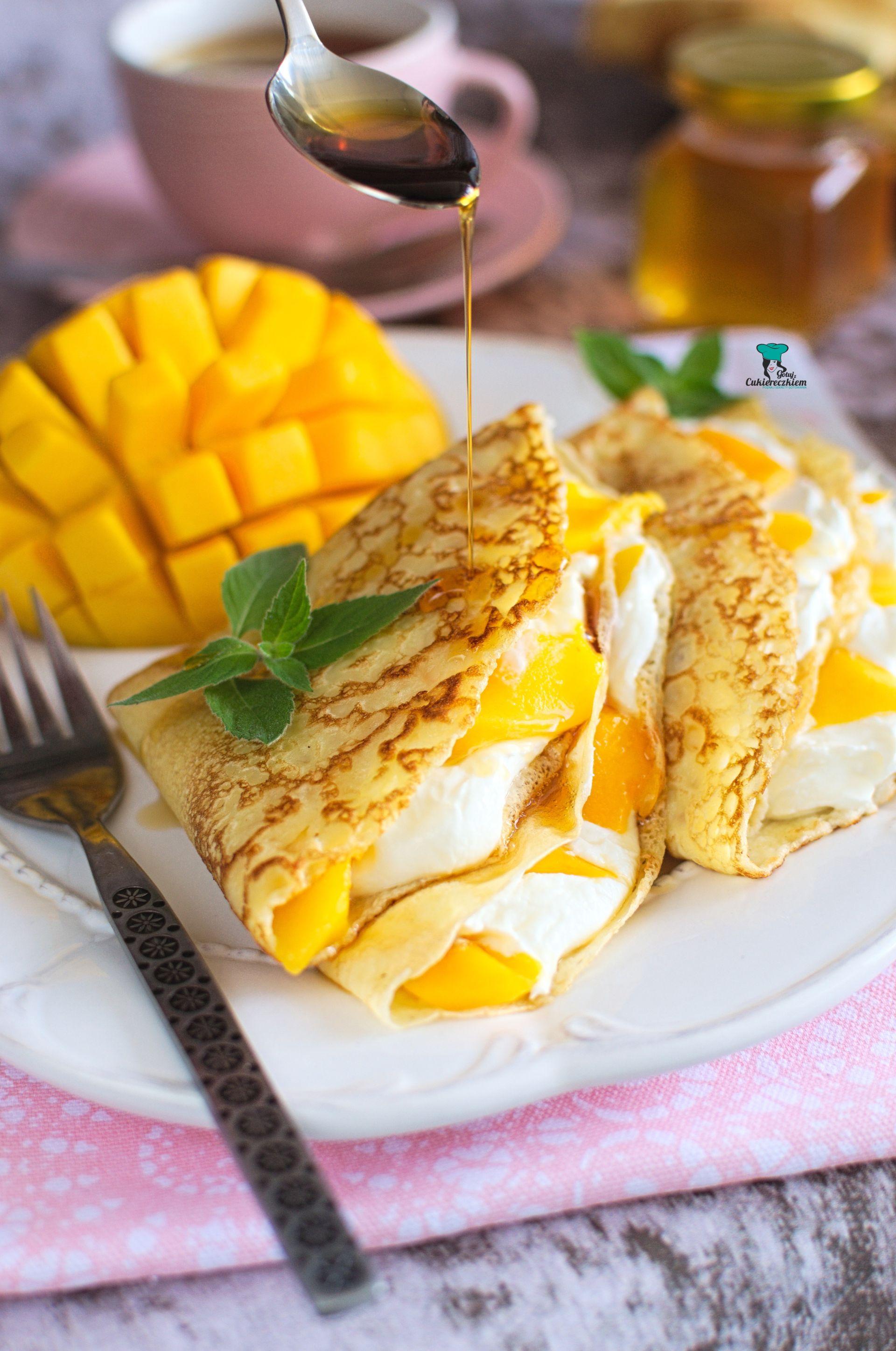 Naleśniki ala mango lassi