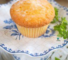 Angielskie babeczki cytrynowe (Lemon drizzle cakes)