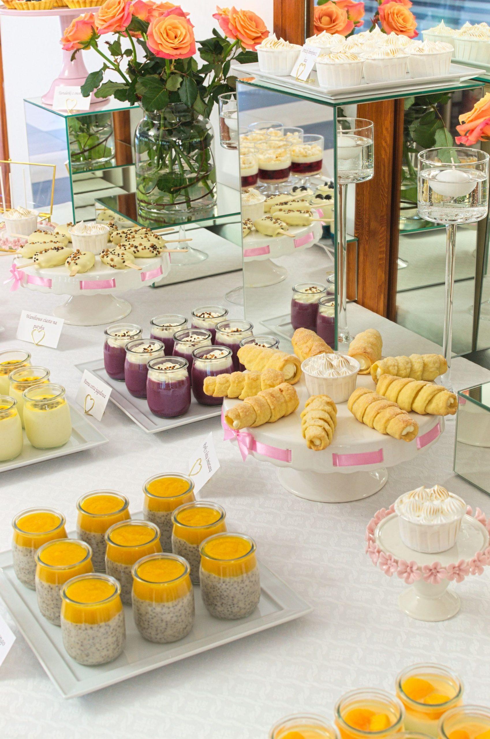Słodki stół przygotowany na wesele