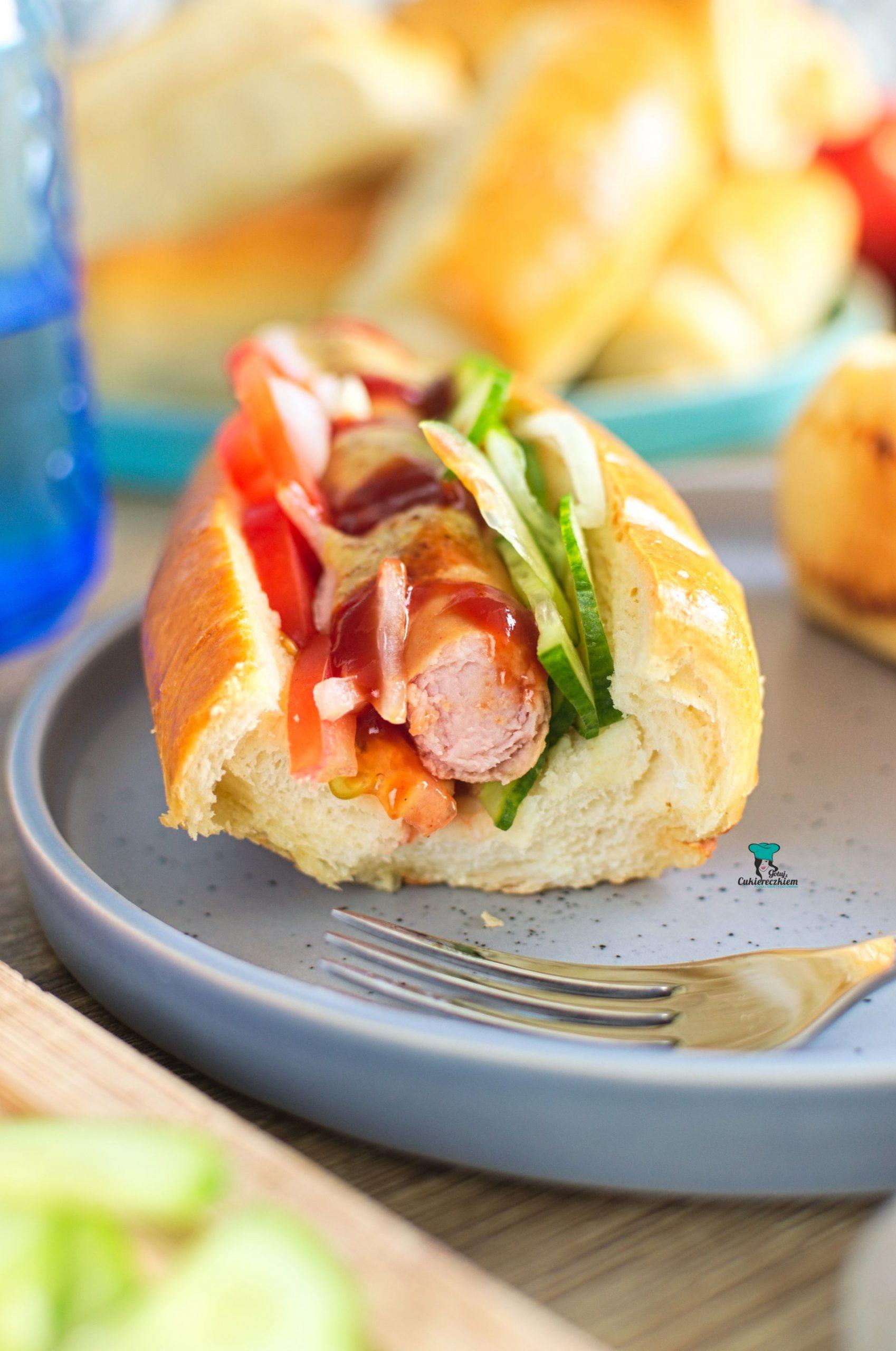Bułki do hot dogów