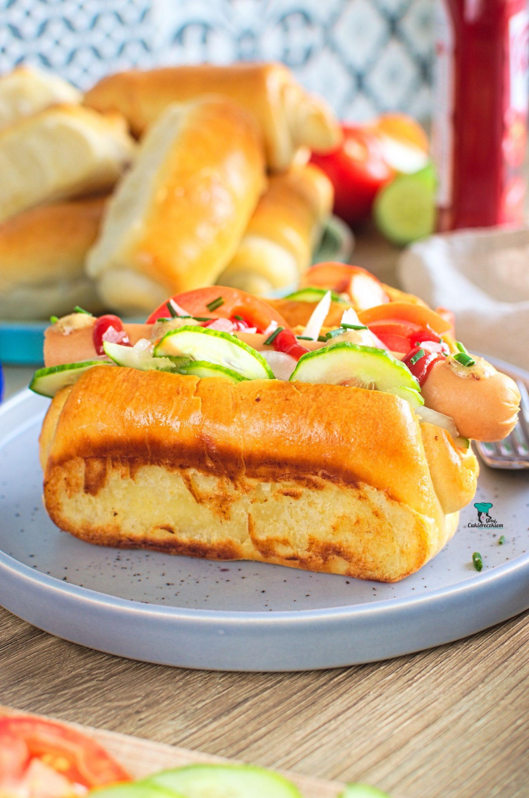 Nowoangielskie bułki do hot dogów