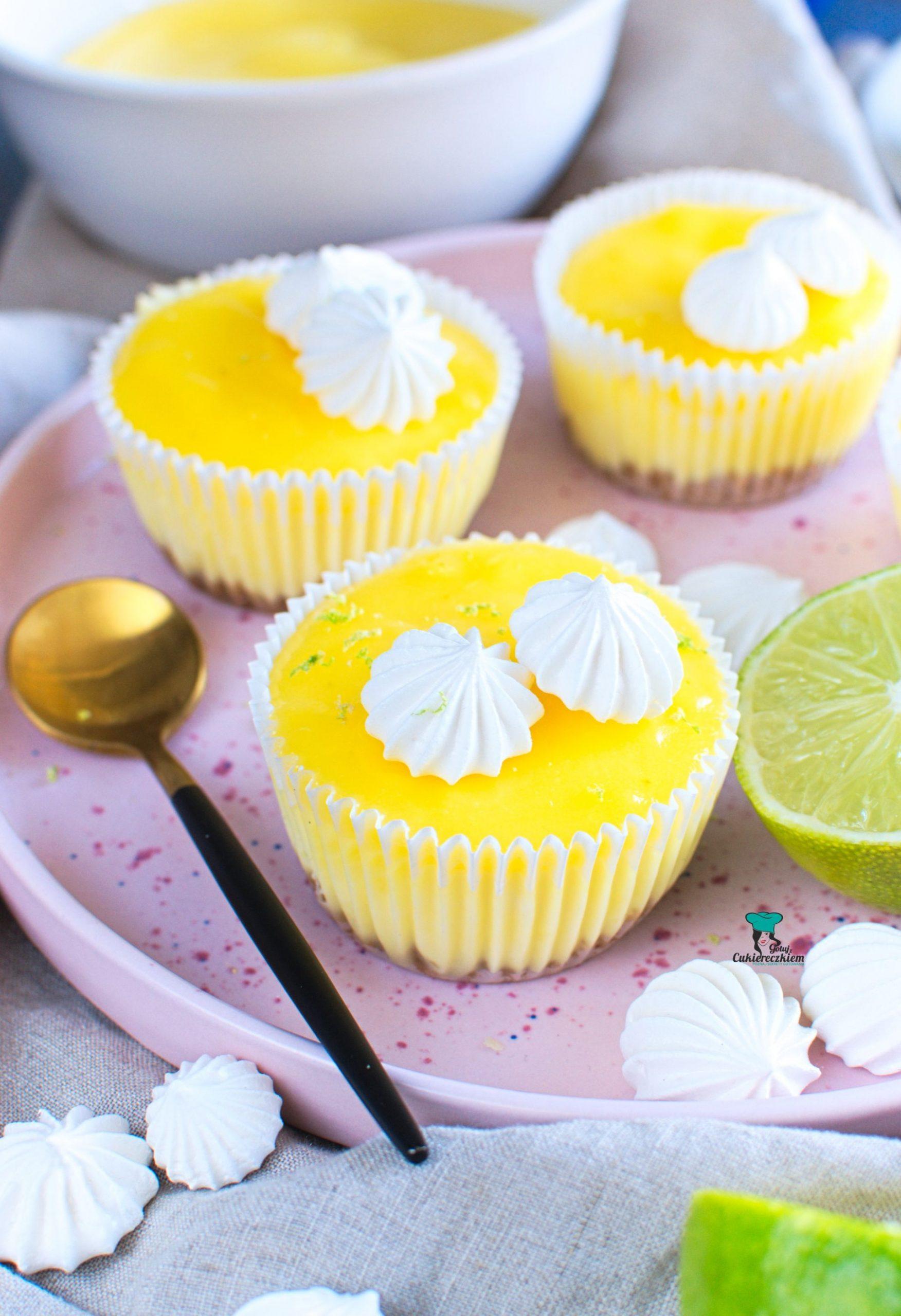 Serniczki z kremem limonkowym
