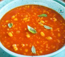 Marokańska zupa pomidorowa z fasolą