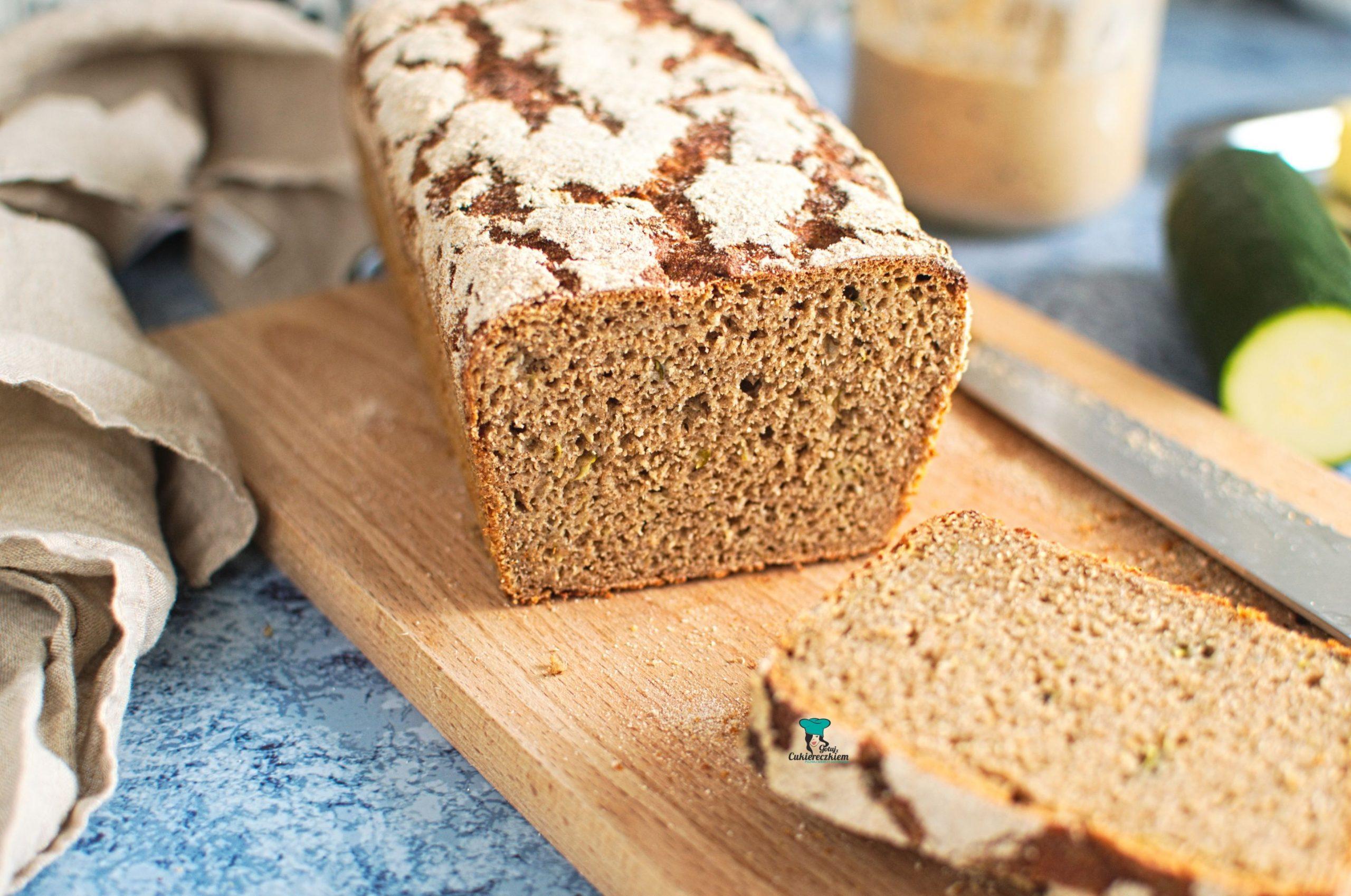 Chleb orkiszowo-żytni z cukinią na zakwasie