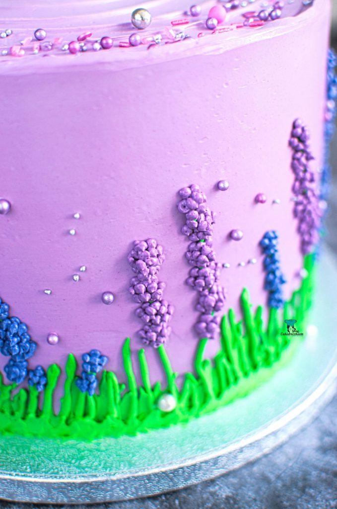 Tort w szafirki (pistacja-malina)