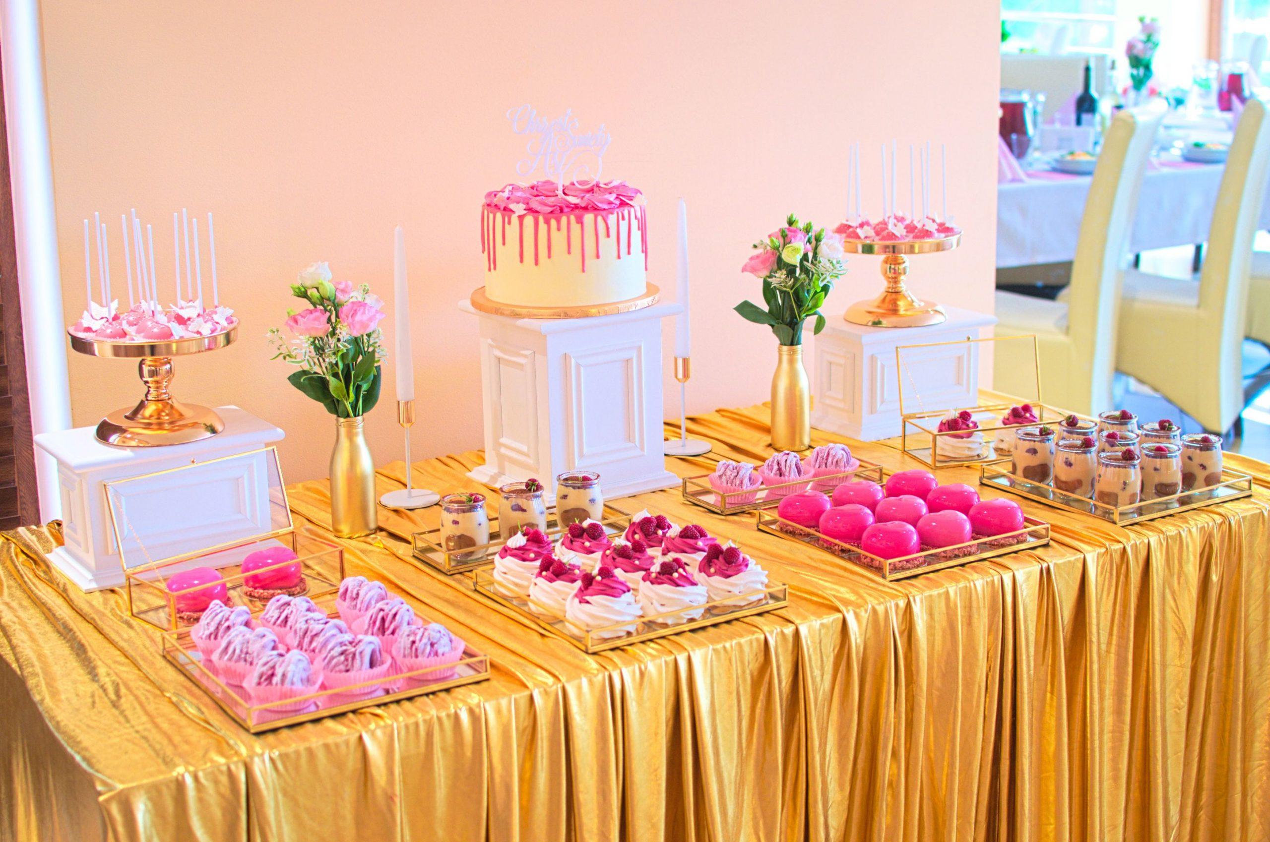 Słodki stół przygotowany na chrzciny Asi