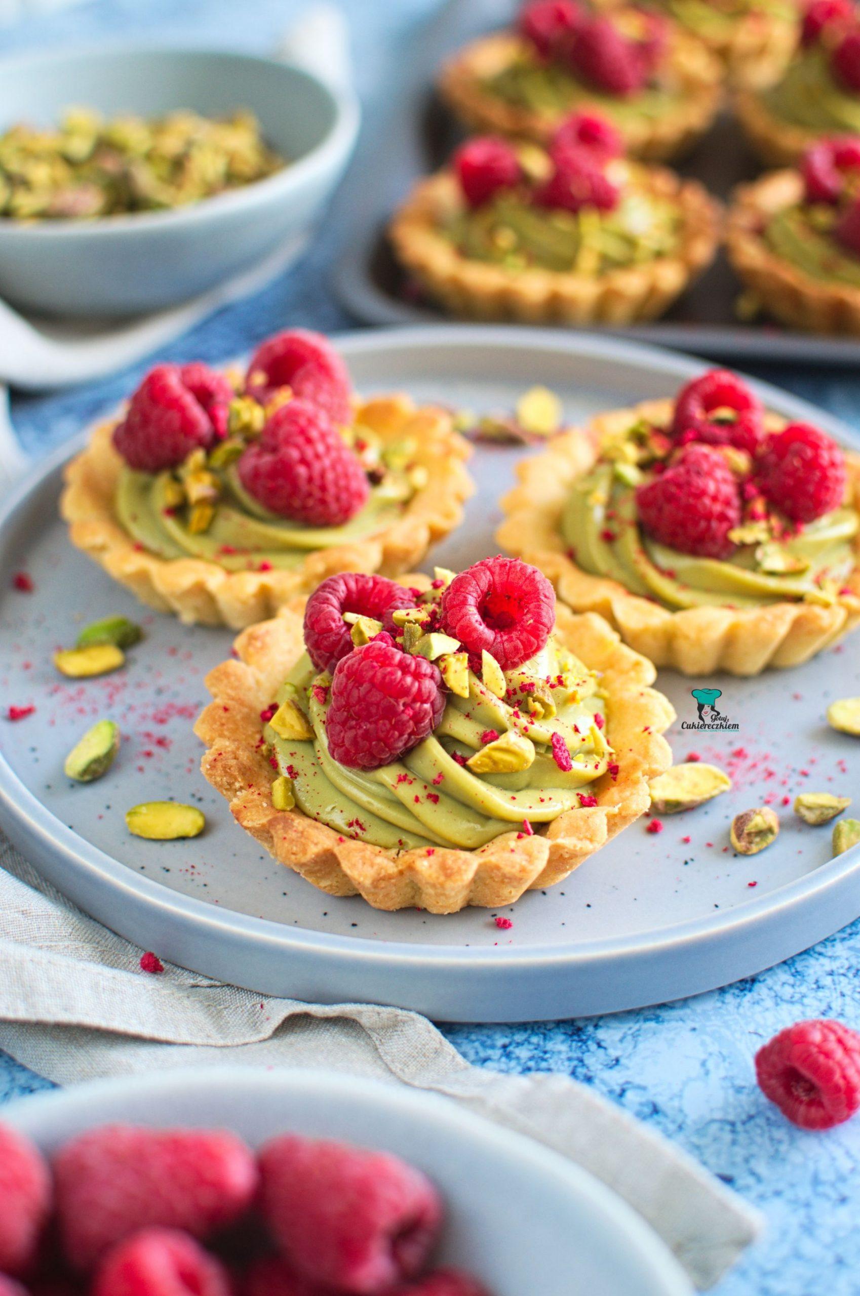 Tartaletki pistacjowe z malinami
